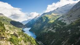 paisaje de montañas y de naturaleza